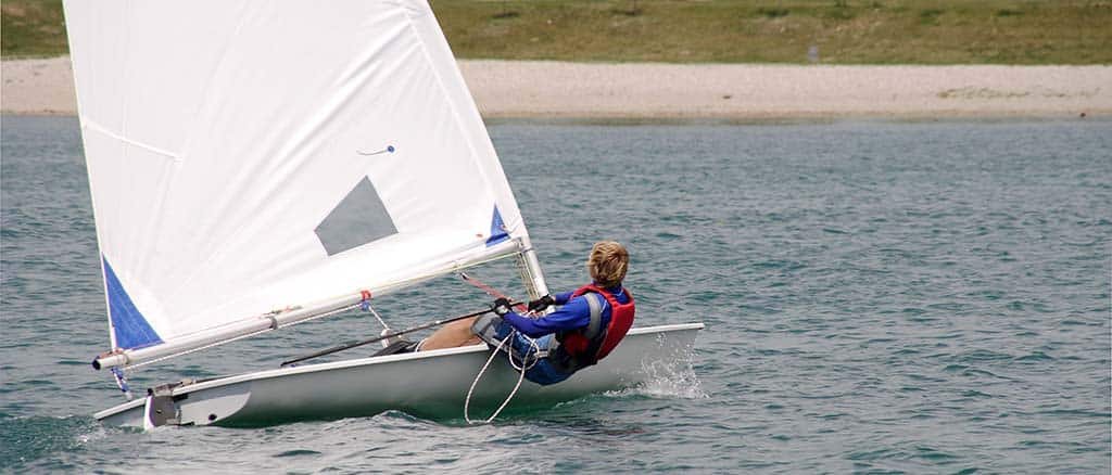 laser sailing tips dinghy sailing